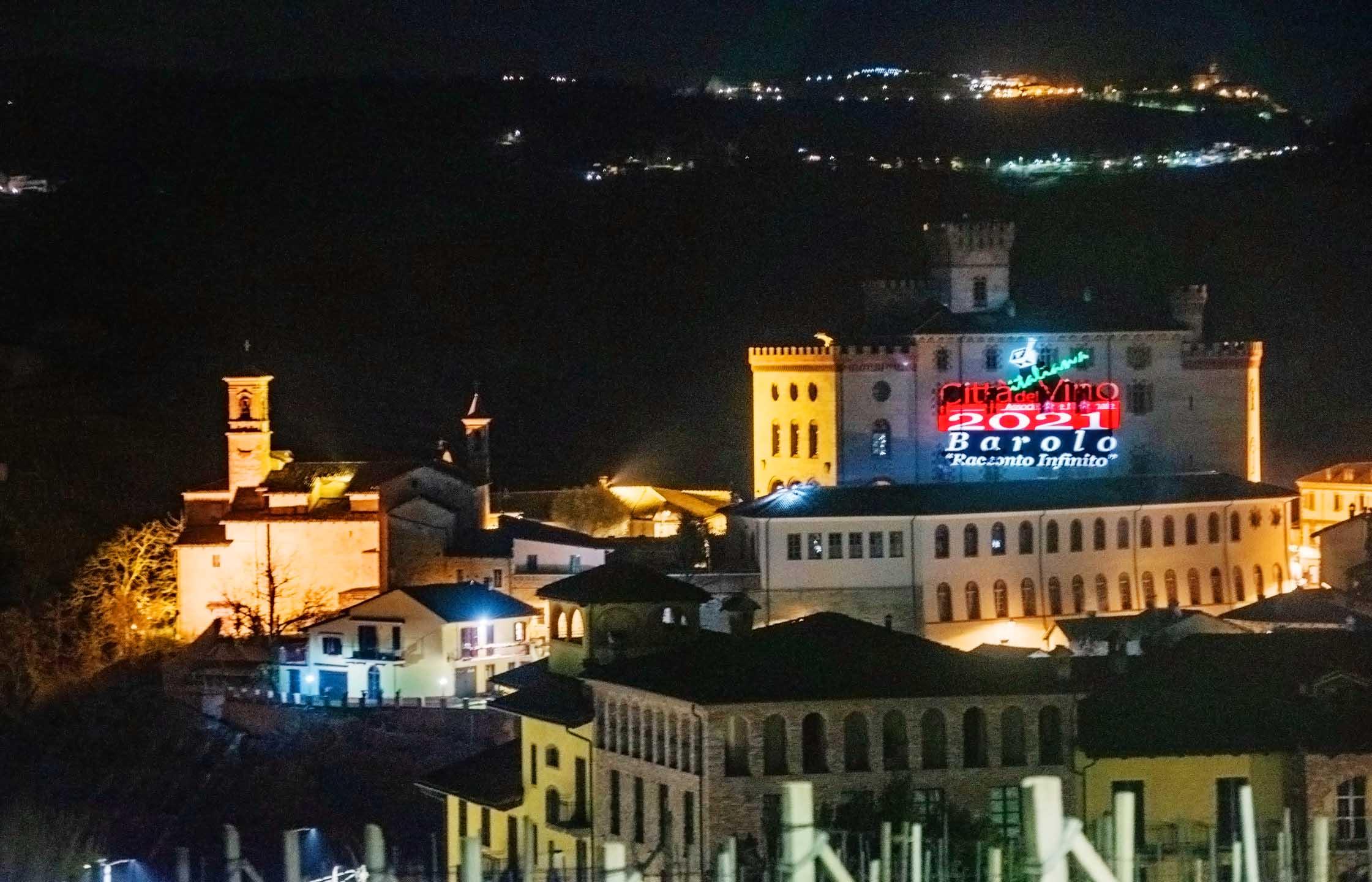 castello_barolo_illuminato_camerano